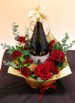 日本酒通販・酒蔵グルメショップ 吟風 真紅のバラ花束ラッピング酒
